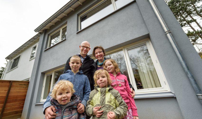 Andre vd Ende en zijn vrouw Marisca aand e Marterlaan in Wageningen, foto Guy Ackermans